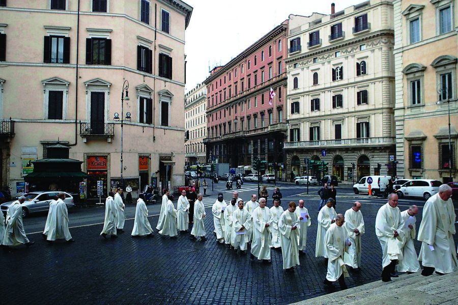 Jesuits+process+through+the+streets+of+Rome+to+celebrate+Mass+together+at+General+Congregation+35+in+2008%2C+when+the+Rev.+Adolfo+Nicolas%2C+S.J.%2C+was+elected+superior+general.+The+Jesuits+will+convene+General+Congregation+36+on+Oct.+2+to+elect+Nicolas%27+successor.+%28Image+credit%3A+General+Congregation+35%29
