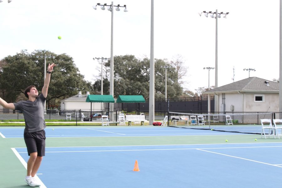 Loyola tennis team knows what 'love' is all about