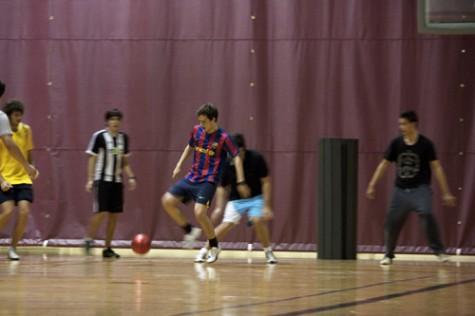 Int'l students start soccer club