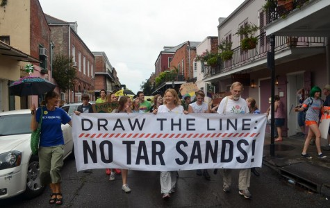 "Protesters ""Draw the Line"" on proposed pipeline"