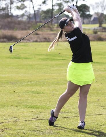 Golf team tees off new season