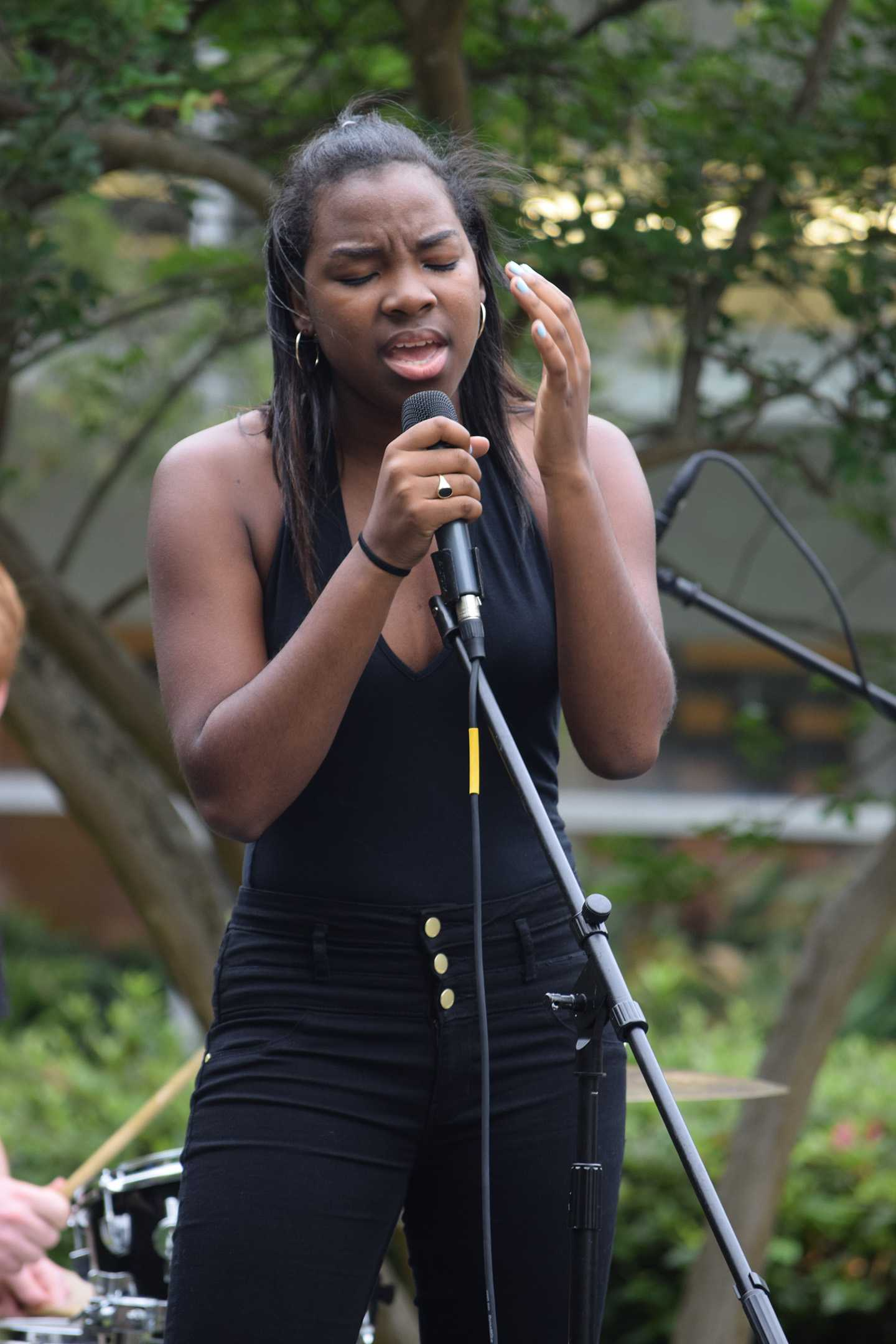 Kayla+Mims+sings+during+Delta+Jamma.+Members+of+the+Delta+Gamma+sorority+hosted+their+first+philanthrophic+music+festival%2C+Delta+Jamma%2C+on+Saturday%2C+April+16.+