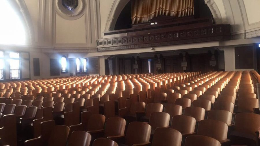 Touro+Synagogue+sits+empty+after+Cierra+Johnson%2C+English+writing+freshman%2C+attended+a+Jewish+Shabbat+service.+First-year+honors+students+are+required+to+attend+and+reflect+on+a+religious+service+outside+their+faith+tradition+for+their+1-credit+Ignatian+Colloquium+class.+Photo+credit%3A+Cierra+Johnson