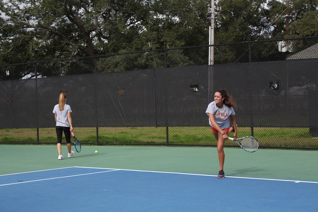 Loyola tennis falls to top seed Xavier in first match up