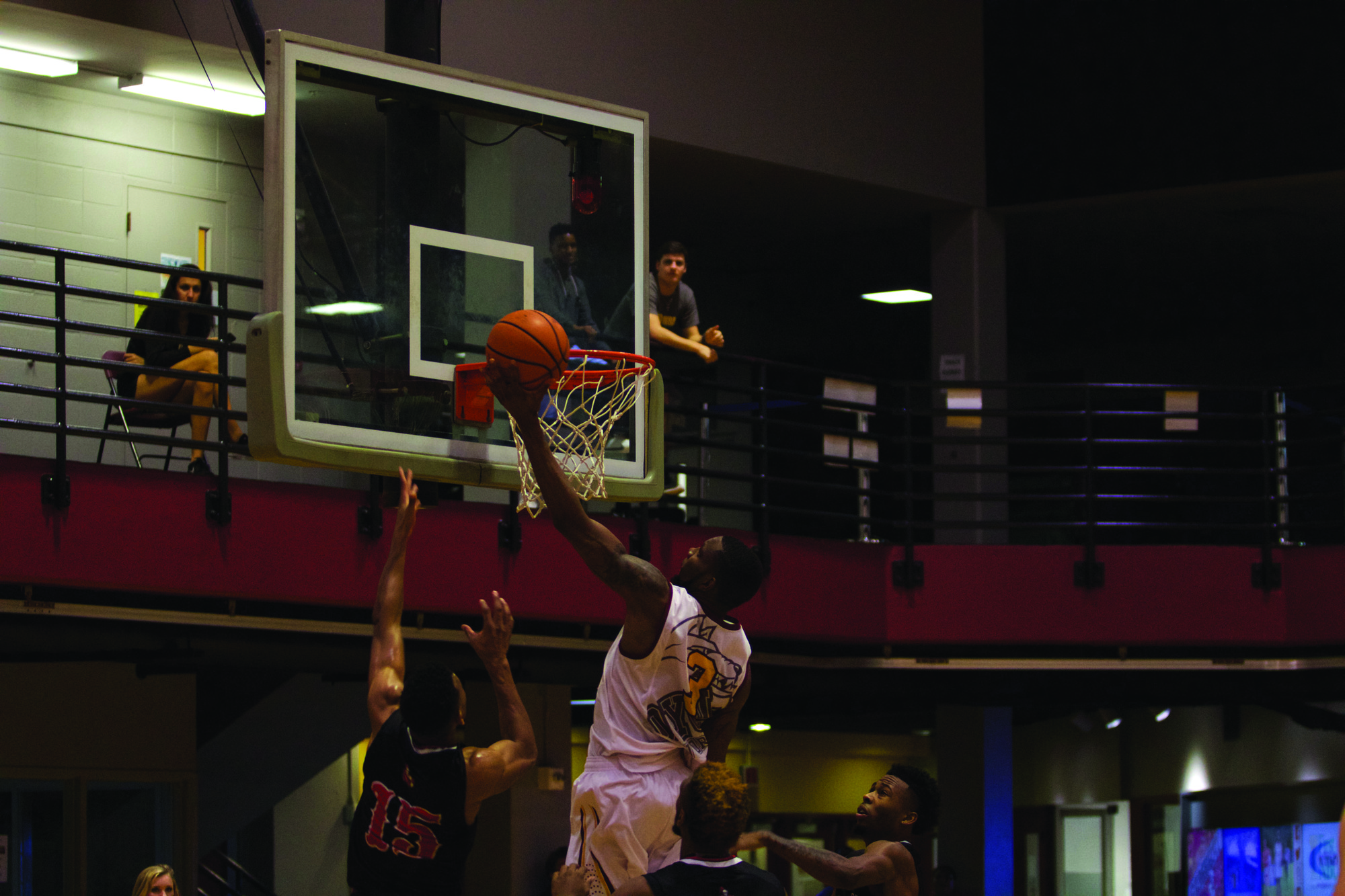 Men's team suffers close loss versus William Carey College 80-72