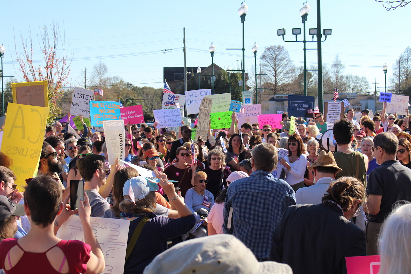 Protesters+chants+begin+to+get+louder+as+Sen.+Bill+Cassidy+showed+up+30+minutes+late+to+his+scheduled+town+hall.+Several+dozen+people+gathered+around+Jefferson+Parish+Library+in+protest+to+Sen.+Bill+Cassidy%27s+town+hall+on+Feb.+23%2C+2017.+