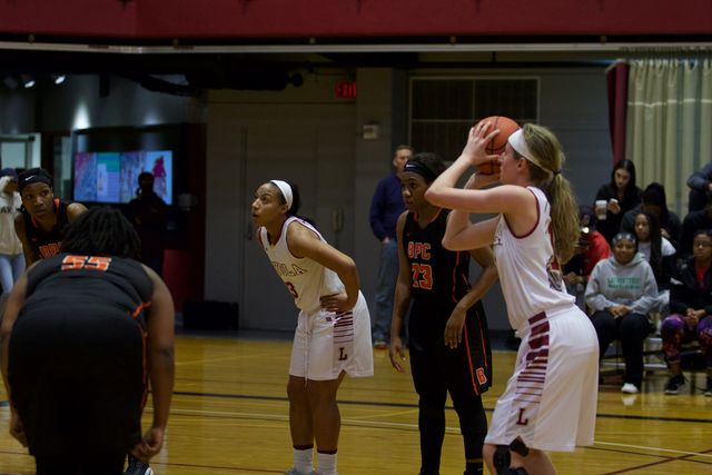 Women's basketball defeated in the semifinals of the SSAC tournament