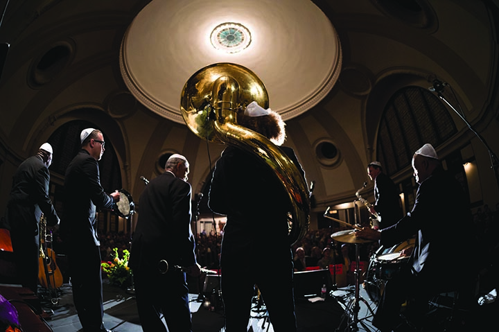 Preservation+Hall+Jazz+Band+Shabbat+2015+at+Touro+Synagogue.+The+annual+service+features+traditional+Jewish+prayers+set+to+jazz+-+and+this+year%2C+zydeco+-+arrangements.