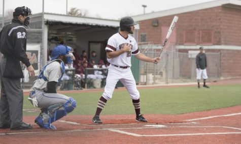 Loyola baseball takes two losses against Martin Methodist