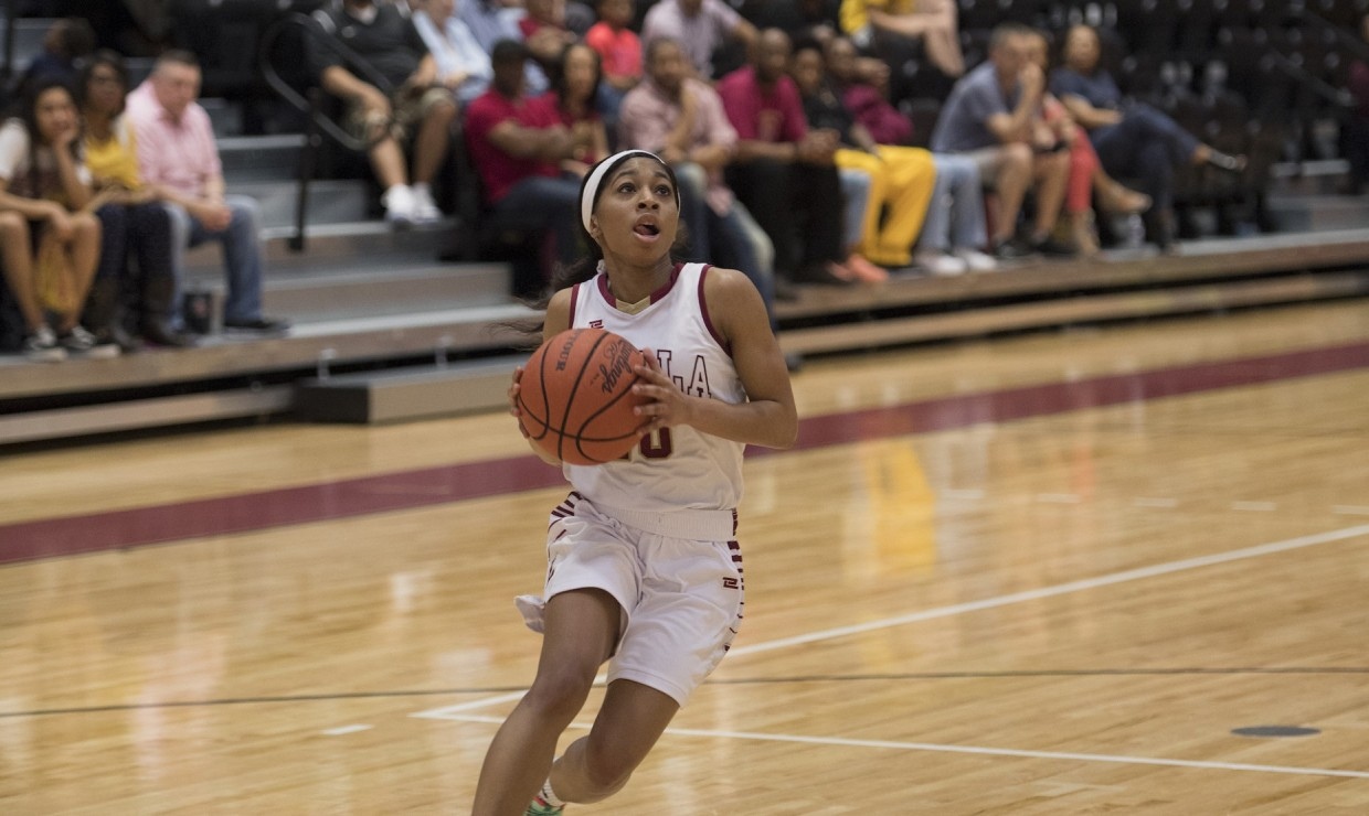 Zoie Miller (10), mass communication senior, wins the Southern States Athletic Conference Player of the Year award. This is the first time a member of the Wolf Pack basketball program won the award since the 2008-09 season. Photo credit: Loyola University Athletics
