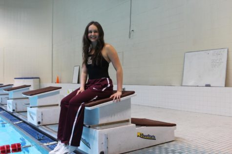 Paige Carter dives into Loyola swimming