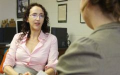 Naomi Yavneh resigns after seven years as honors director