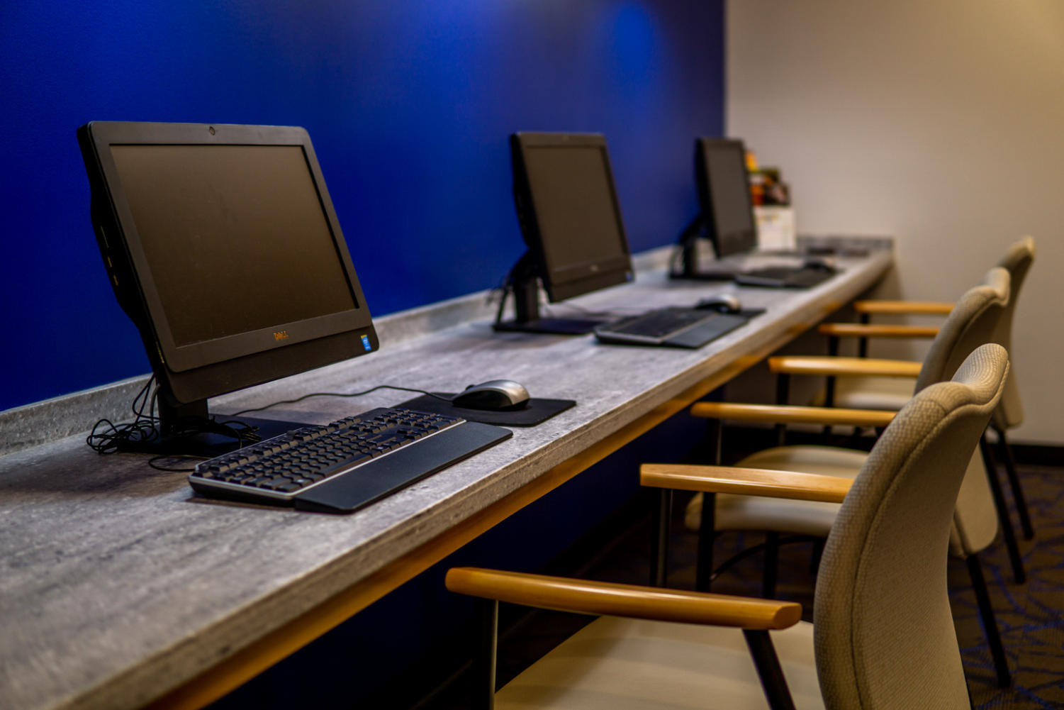 The+center%27s+new+computer+workstations+sit+awaiting+users.+The+center+also+provides+textbook+resources+and+private+testing+rooms.+Photo+credit%3A+Jacob+Meyer