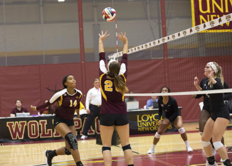 Loyola volleyball team falls to Mobile