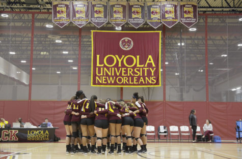 Brief: Volleyball extends winning streak to five