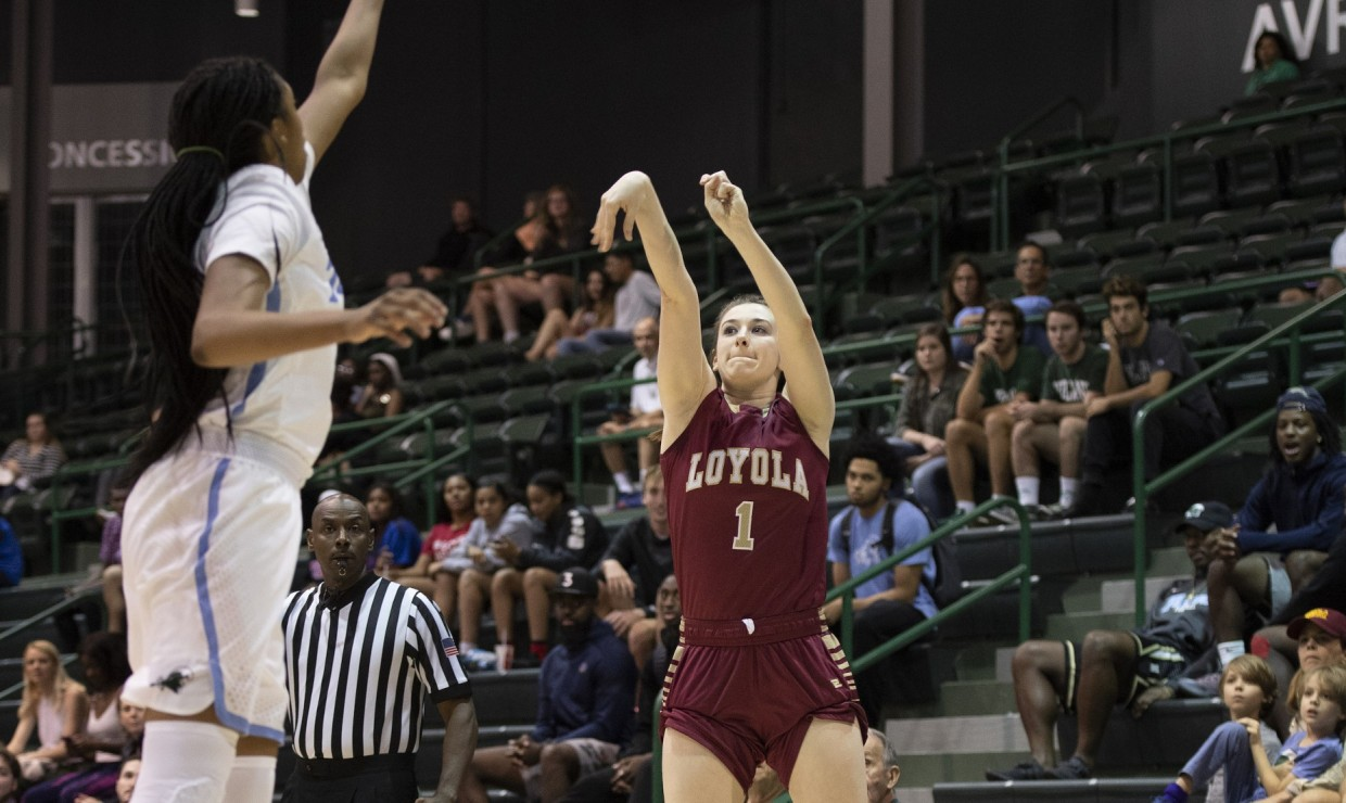 Accounting junior Paige Franckiewicz (1) goes for a shot. Photo credit: Loyola New Orleans Athletics