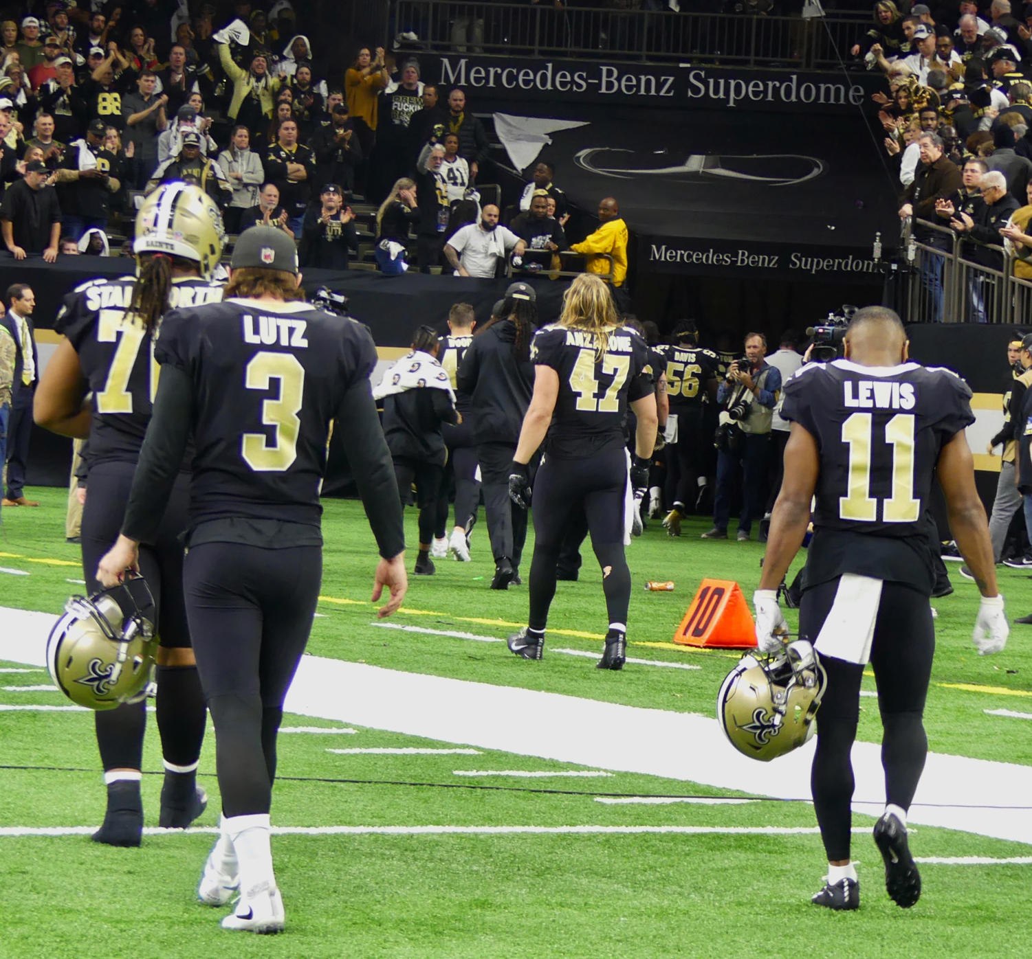 Saints+special+teams+leave+the+field+after+their+loss+in+the+NFC+Championship.+Photo+credit%3A+Olivia+Ledet