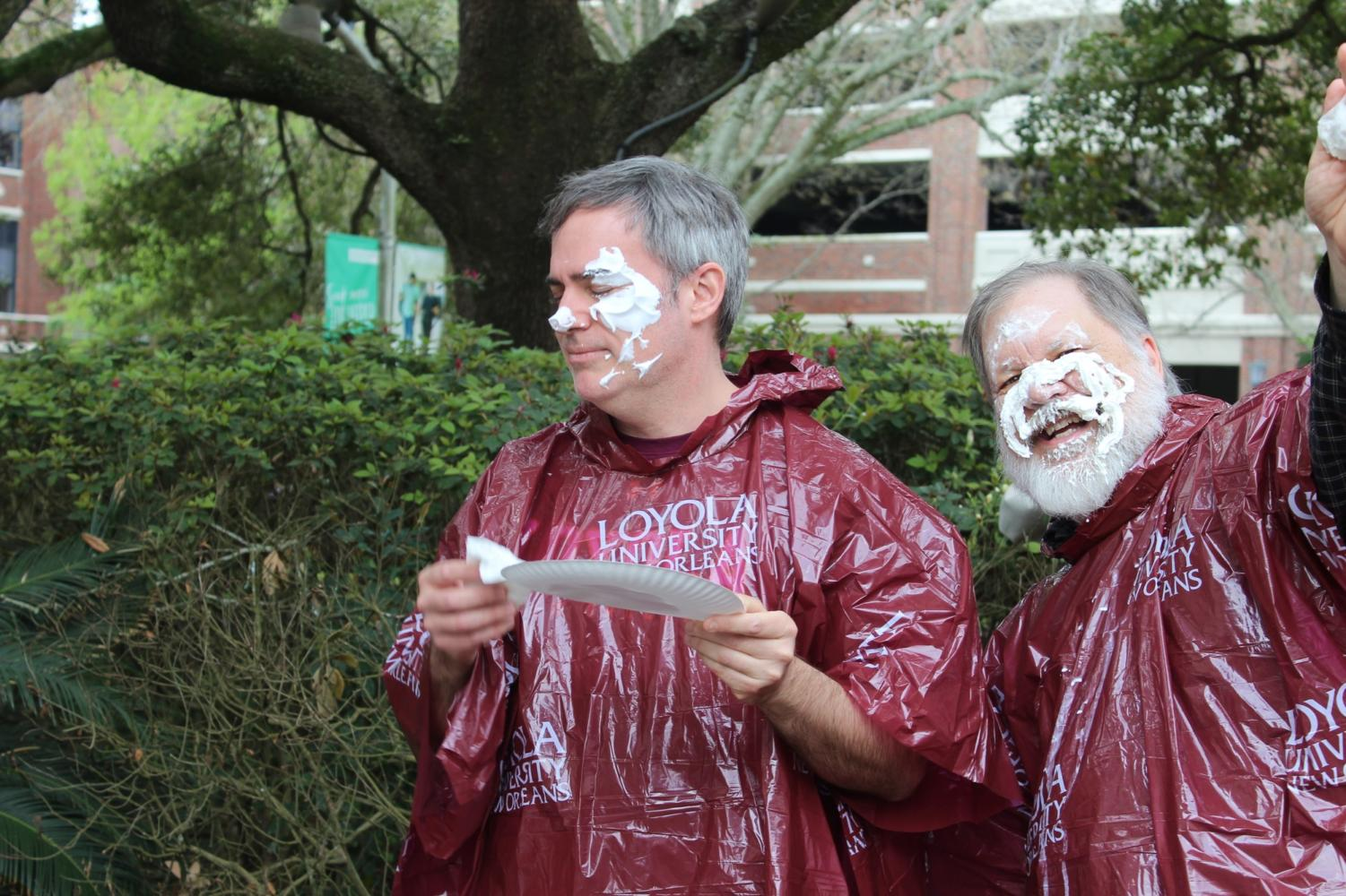 Dr.+Berendzen+and+Dr.+Hood+react+to+getting+pied+at+Pie-A-Professor.