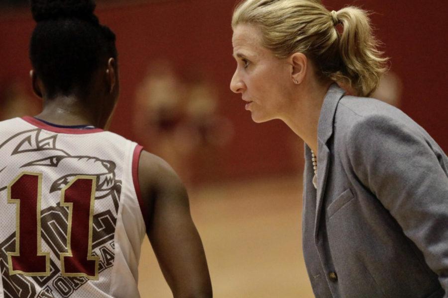 web.basketball.coach.jpg