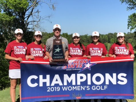Loyola golf celebrates their first conference title