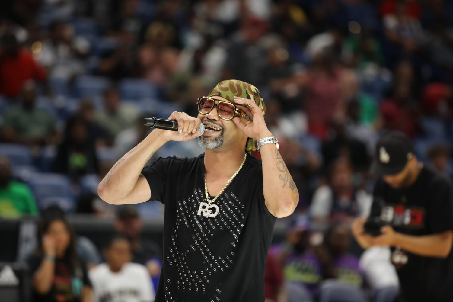 New+Orleans+rapper+Juvenile+rapped+for+the+crowd+following+the+3%27s+Company+vs.+Bivouac+match+on+August+25%2C+2019.+The+BIG3+playoffs+drew+in+celebrities+such+as+Alvin+Gentry+and+David+Griffin.+Photo+credit%3A+Andres+Fuentes