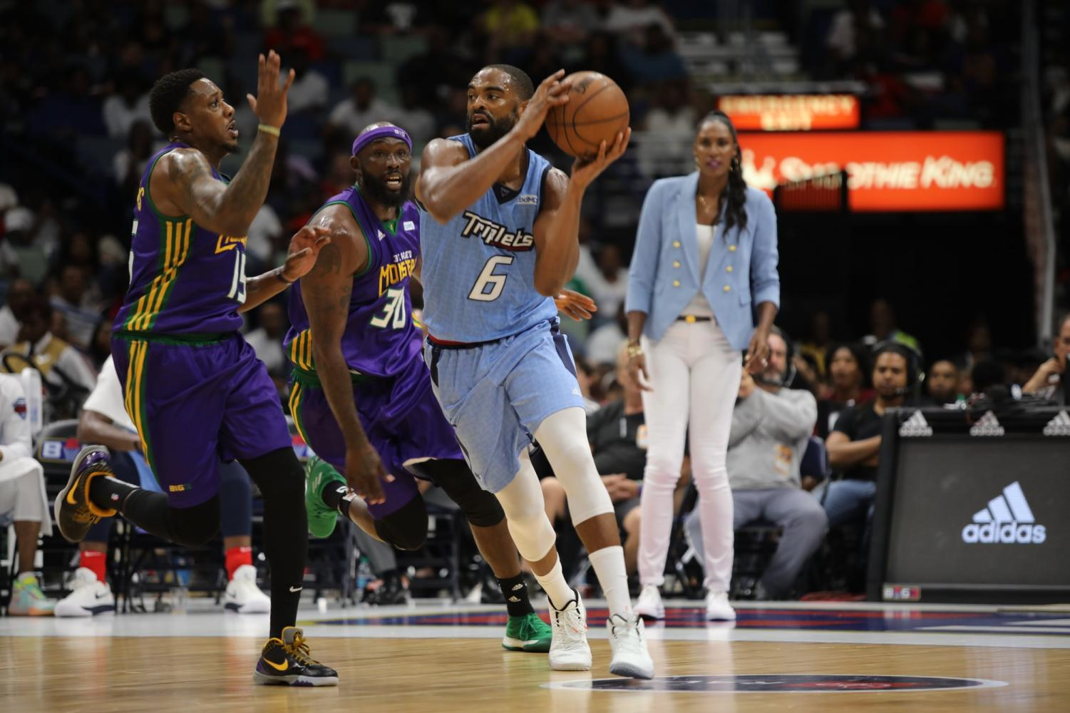 Triplet%27s+Allen+Anderson+evades+Mario+Chalmers+from+the+3+Headed+Monsters+at+the+BIG3+playoffs+on+August+25%2C+2019.+The+Triplets+won+50-39.+Photo+credit%3A+Andres+Fuentes