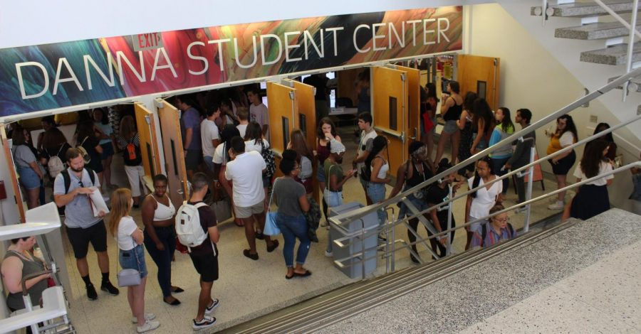 Freshmen+scattered+around+the+entrance+of+the+Danna+Center.+Overcrowding+is+an+issue+on+people%27s+minds+as+our+student+body+grows+yearly.+Cristian+Orellana%2FThe+Maroon