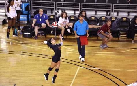 Wolf Pack opens up volleyball season