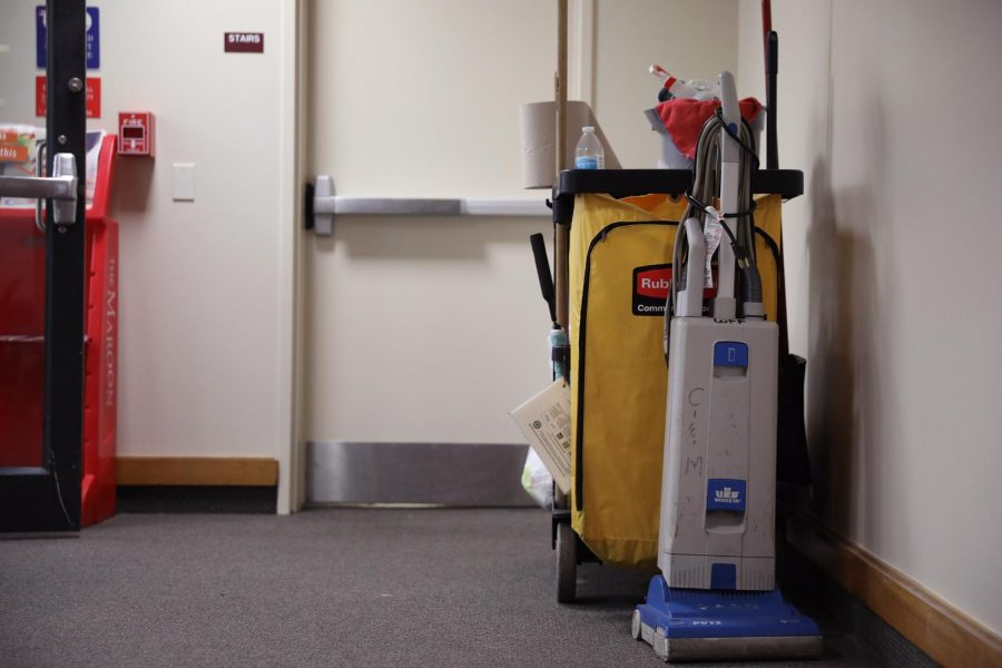 A+cleaning+cart+left+by+a+WFF+janitorial+worker+sits+in+a+hallway+on+Aug.+21%2C+2019.++Loyola+WFF+workers+had+their+hours+changed+to+overnight+and+early+morning+shifts+for+the+current+school+year.+