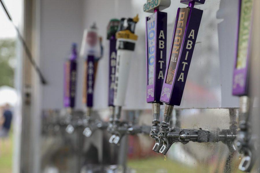web.beer.taps.jpg
