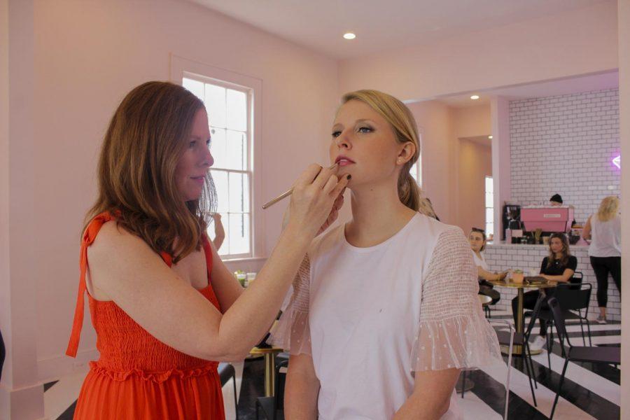 web.cbd.makeup.jpg
