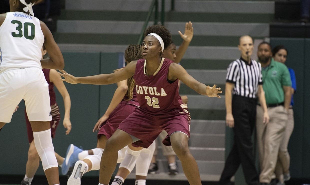 on sale 8e5a7 05ebe Women's team ended road trip with a loss - The Maroon
